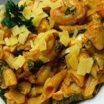Pasta met zalm, garnalen en spinazie