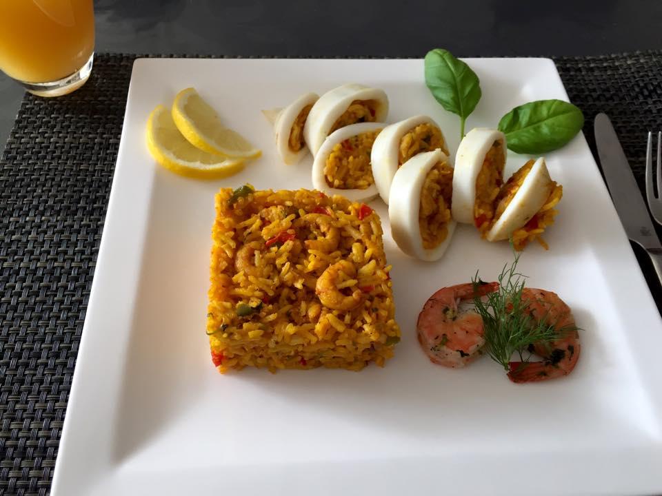 Inktvis gevuld met rijst