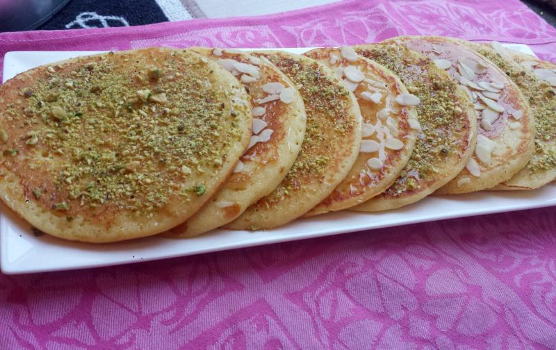Pancakes met pistache en amandelen