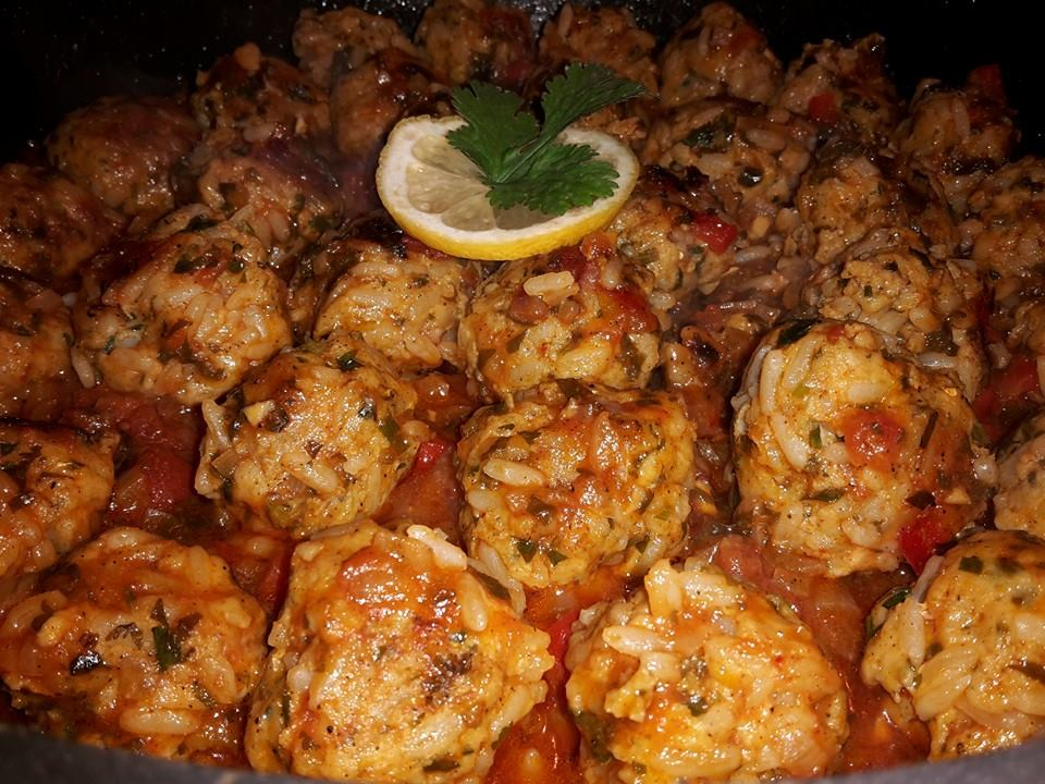 Tajin van visgehakt in saus
