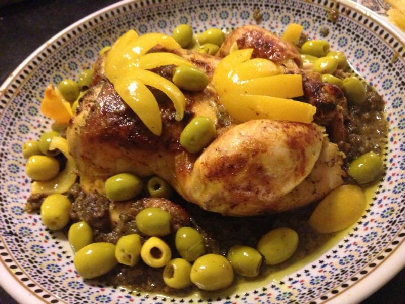 Gebraden kip met olijven en ingemaakte citroen
