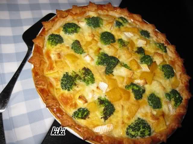 Quiche van pompoen, broccoli en brie