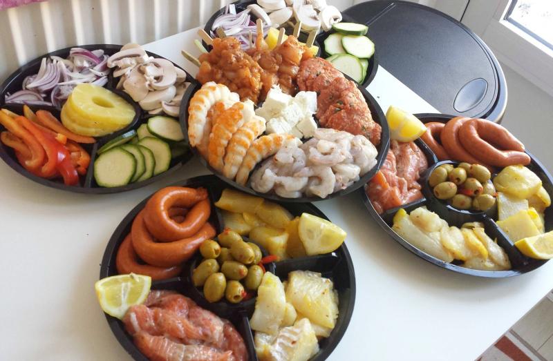 Gourmetten met vis, kip en gehakt