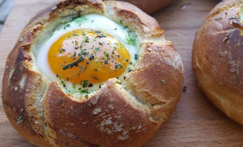 Luxe kaiserbroodjes met ei