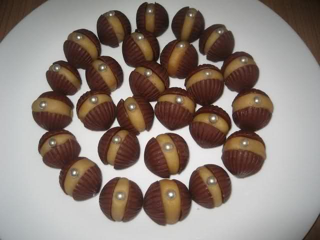 Schelpenbonbons met marsepein