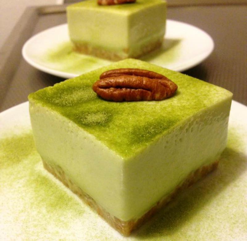 Groene thee mousse cakejes