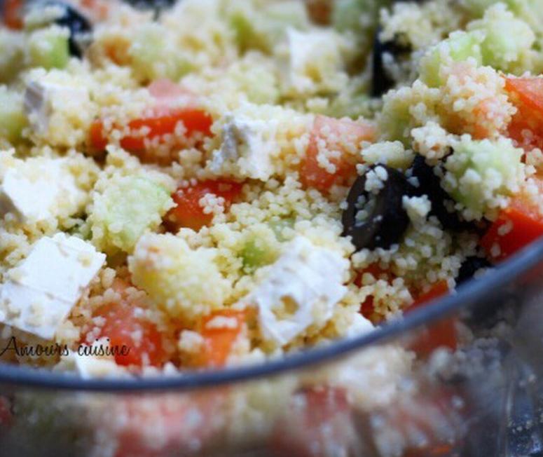 Couscous salade met feta en olijven