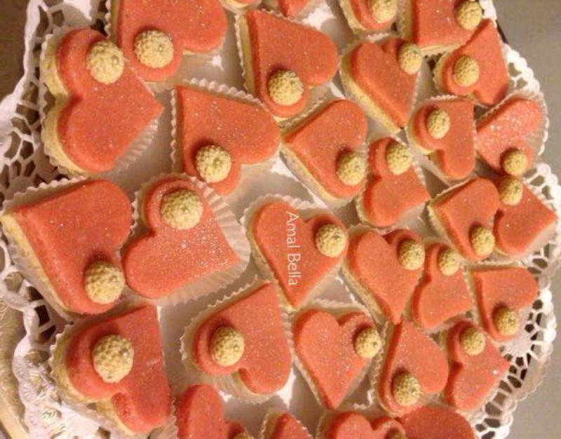 Hartvormige koekjes van amandelen