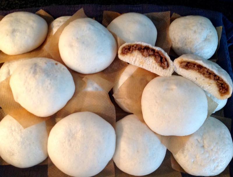 Gestoomde broodjes met kip