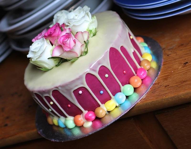 Roze Drip Cake