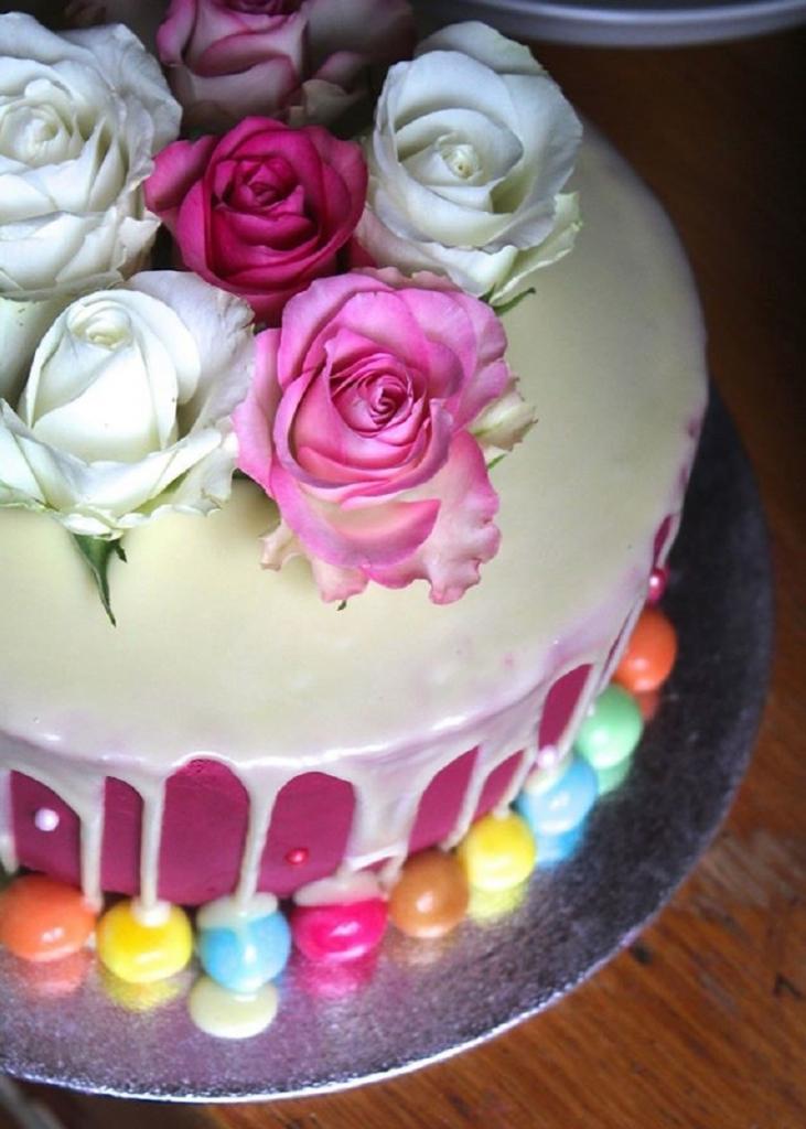 roze-dripcake
