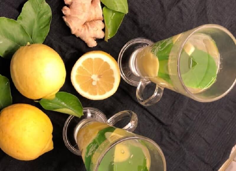 Verse gemberthee met citroen en citroenblad