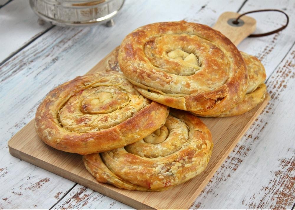 Gehakt mhencha (spiraalvormige broodjes)