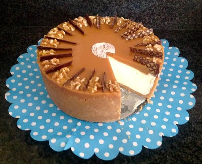No-bake witte chocolade cheesecake met karamel