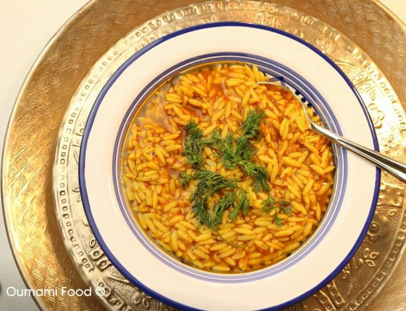 Vogeltongetjes soep (shorba met orzo)