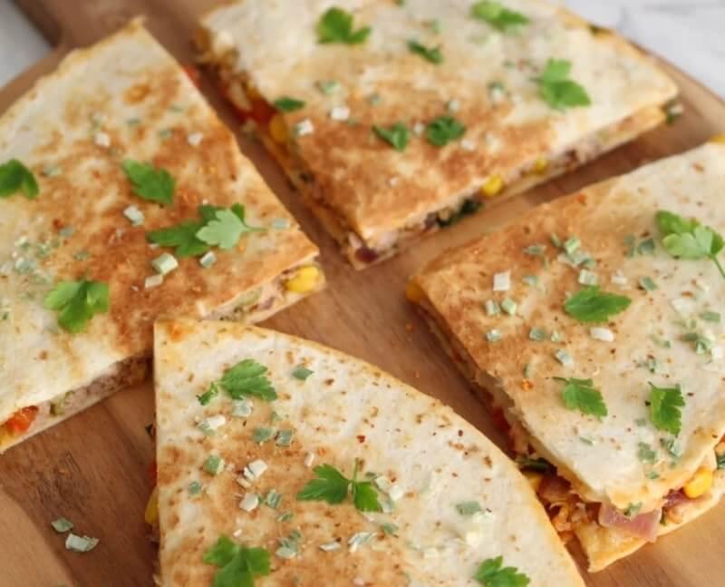 Quesadilla met tonijn en mozzarella